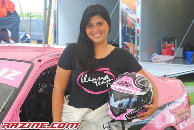 Ileana Fernandez, Corredora de autos de carrera de la categoria Racing Sedan (Republica Dominicana).
